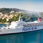Arriva a Napoli la Peace Boat: un messaggio di pace dai sopravvissuti di Hiroshima