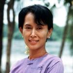 Birmania: Aung San Suu Kyi potrà andare al governo