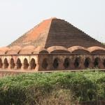 Che ci fa una piramide in India? Le sorprese del Bengala