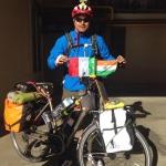 Faccio il giro del mondo in bicicletta per combattere l'inquinamento