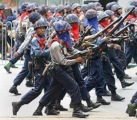 soldati birmani