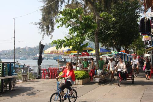 L'isoletta di Cheung Chao, al largo di Hong Kong. Foto di Marco Restelli