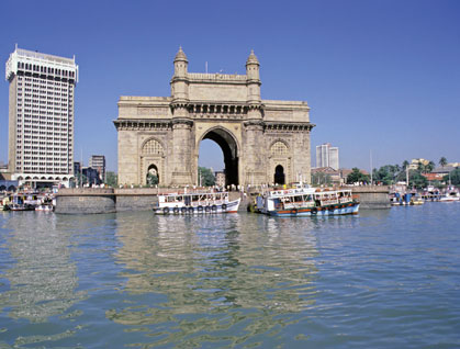 Mumbai, il Gateway of India e l'hotel Taj Mahal