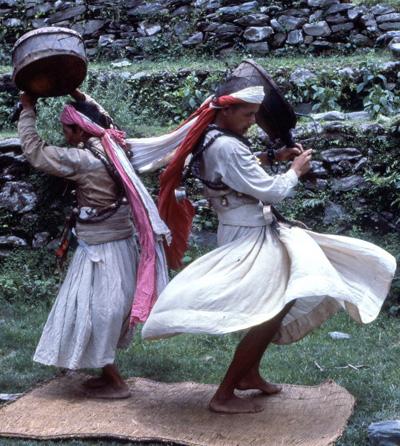 Sciamani nepalesi. Foto di Renzo Freschi