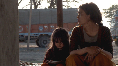 Un'immagine del film Liar's Dice della regista indiana Geethu Mohandas