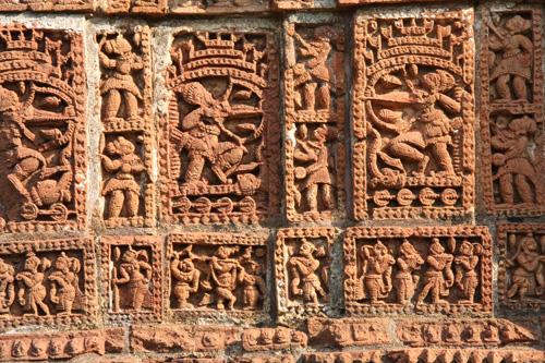 Formelle di terracotta sullo Shyamrai Temple, Bishnupur, West Bengal. Foto di Marco Restelli copia