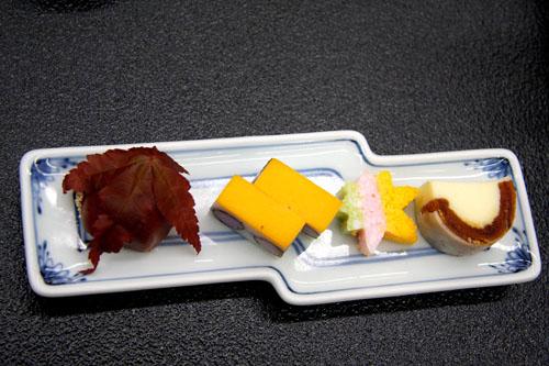 Cucina zen kaiseki in un tradizionale albergo termale a Kagaonsen. Foto di Elena Bianco.