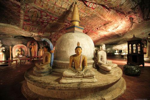 dambulla-cave-temple-1024x682